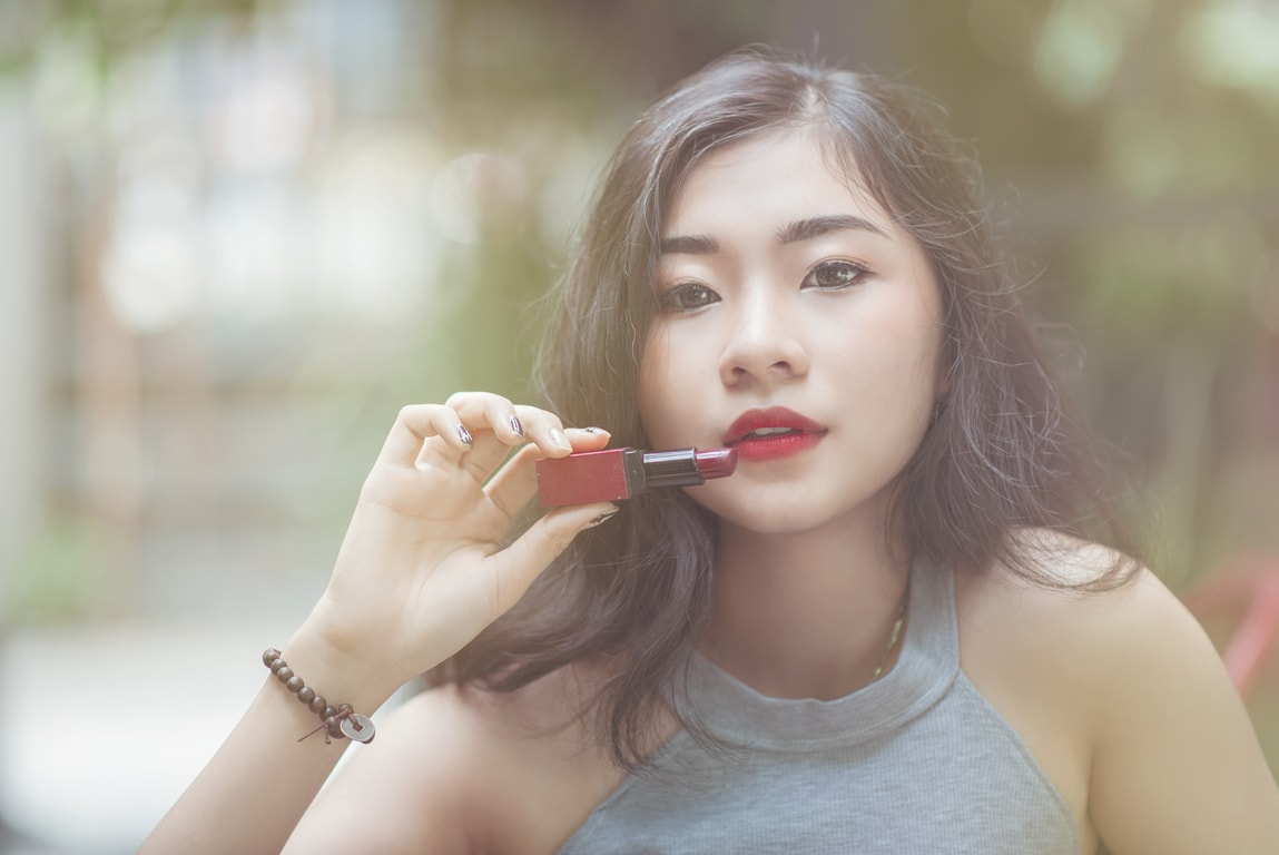Los 10 errores más comunes al maquillarse