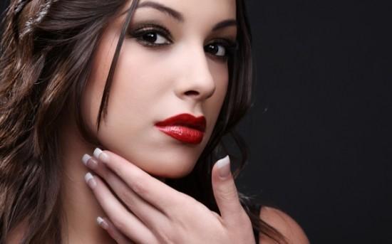 Cómo mantener el maquillaje toda la noche intacto