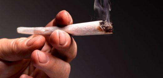 Los fumadores son más propensos a tener dolor de espalda crónico