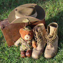 El éxito de las botas militares: el calzado que está de moda esta temporada